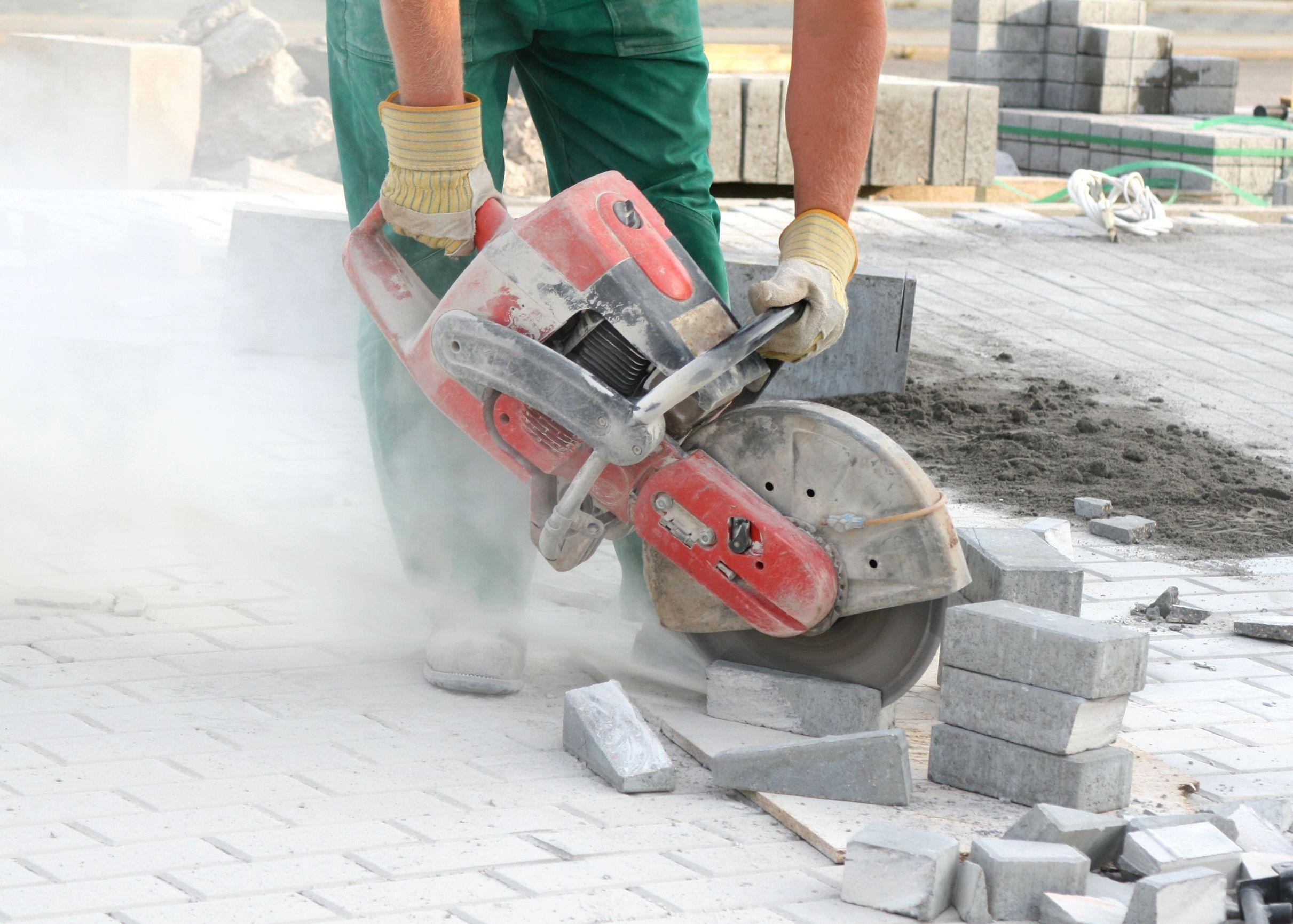 Baukreissäge auf Baustelle
